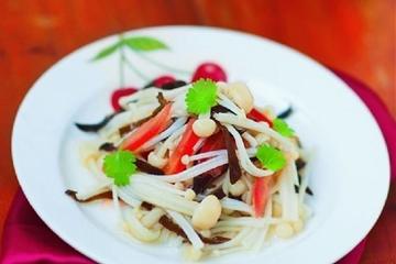 Cách làm món Salad nấm kim châm ngon lạ miệng thích hợp cho bữa tối