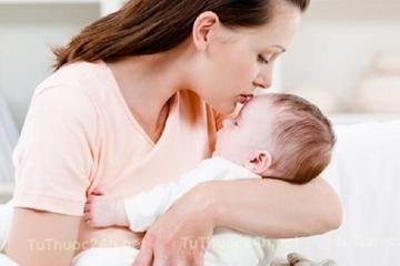 Dấu hiệu và cách khắc phục khi Trẻ sơ sinh bị tiêu chảy