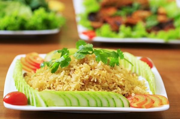 Hấp dẫn chuẩn vị với món cơm chiên cá mặn vừa ngon lại bổ tăng cường sức đề  kháng cho cả gia đình.